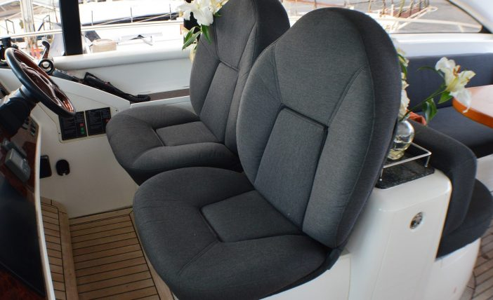 Princess 65 - Pilot seats